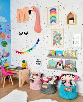ordine e giocattoli in cameretta