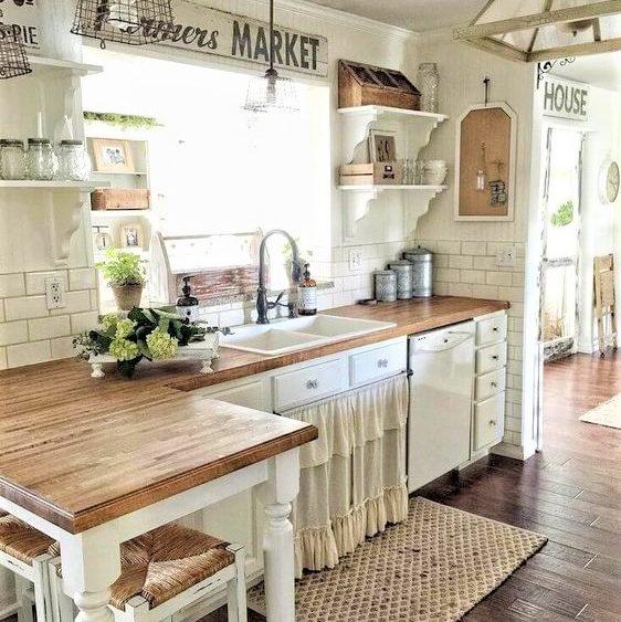Tavolo Bianco Stile Provenzale.Come Arredare Una Casa In Stile Provenzale Webtiles
