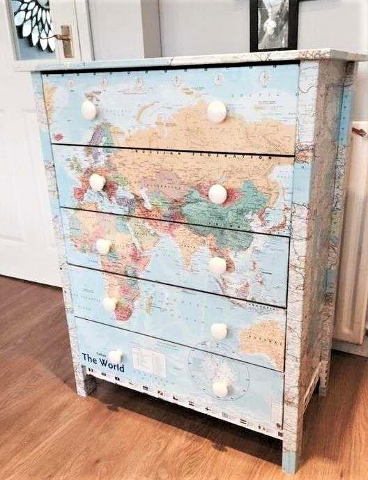 cassettiera con 5 cassetti e illustrazione mappamondo