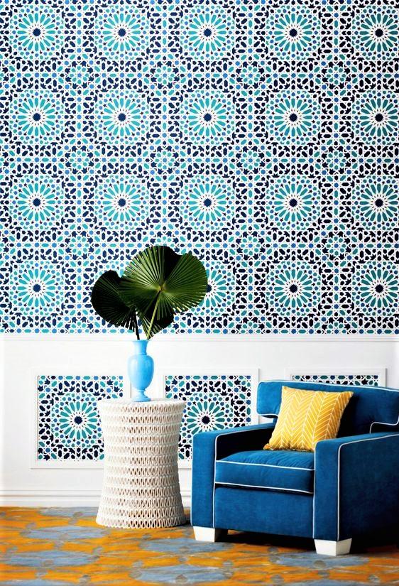 salotto con mattonelle siciliane azzurre