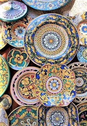 piatti in ceramica tipica siciliana