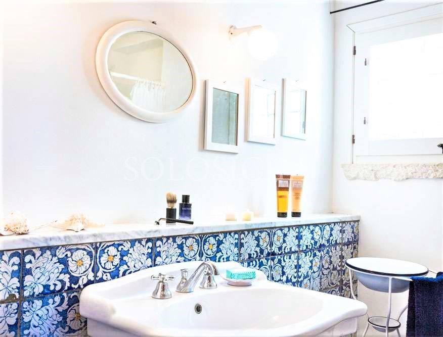 bagno bianco in stile siciliano