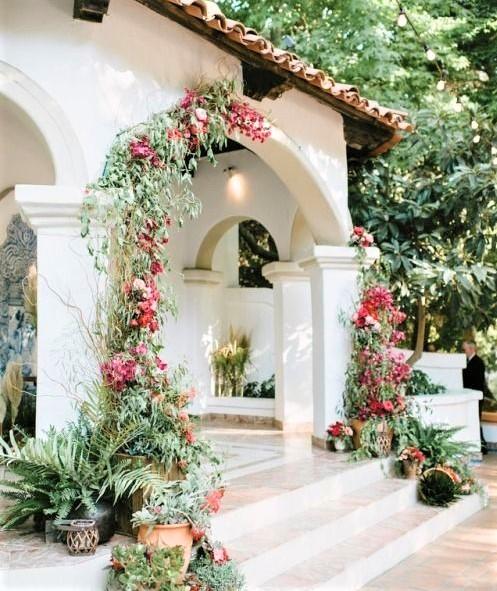 tipico esterno di una casa in stile mediterraneo