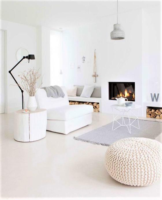 living minimal co colori chiari e tappeto grigo